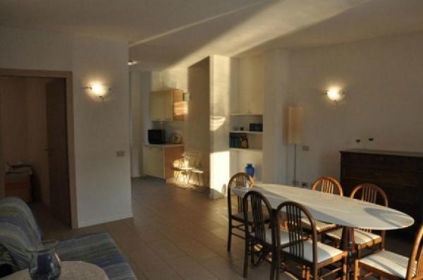 Prachtig vakantiehuis in Sale-Marasino, Iseomeer