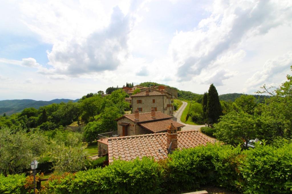 in Palazzo-del-Pero, Toscane